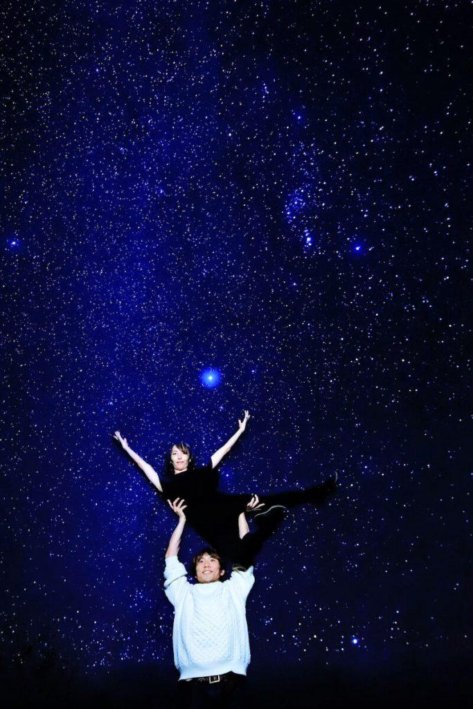 ハワイ島の星空の下でバレエ  超新星爆発の前兆か。